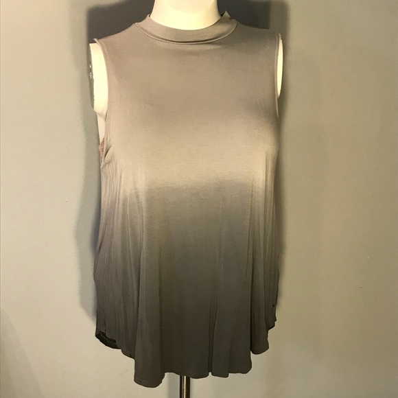 American Eagle Outfitters Tops - NWOT sleeveless top